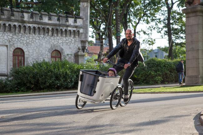 TreadlieA cargo bike built to tilt - Treadlie
