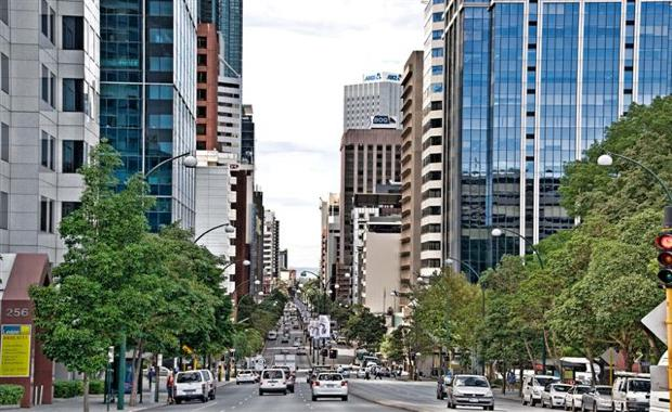 151105-St-Georges-Tce-looking-E_620x380