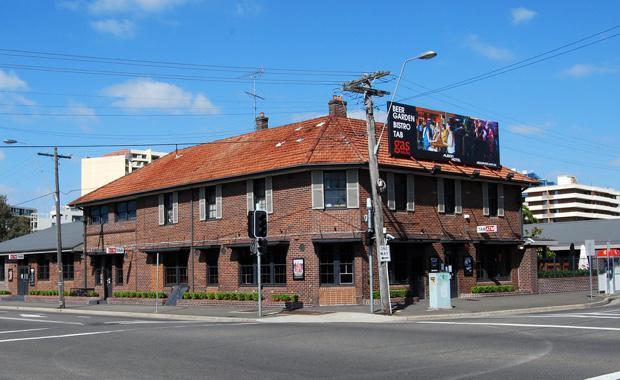 160215-Albion-Hotel-Parramatta