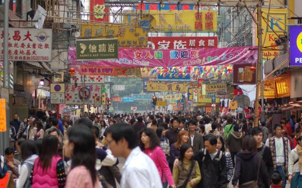 Crowd_in_HK-e1429576160962