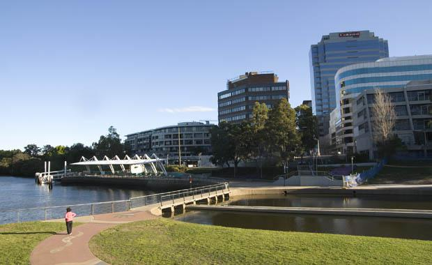 Parramatta_River_at_Parramatta