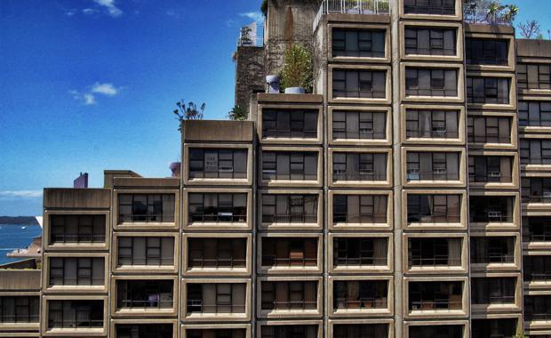 Siruis_apartment_complex_sydney_martin_pueschel_620x380