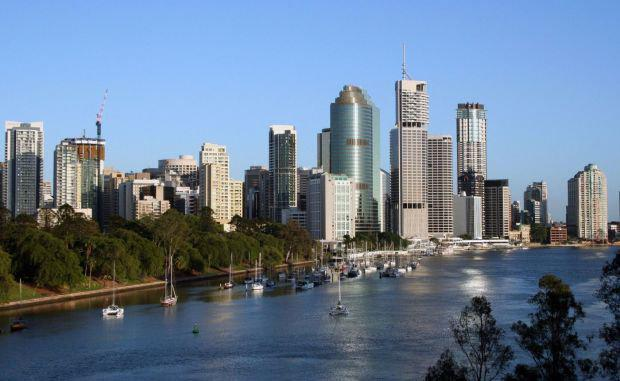 The-Brisbane-skyline-and-Brisbane-River-Australia-2-e1427697386108