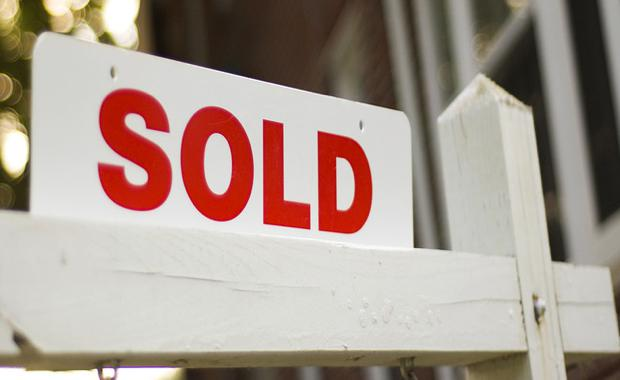 sold-sign_620x380