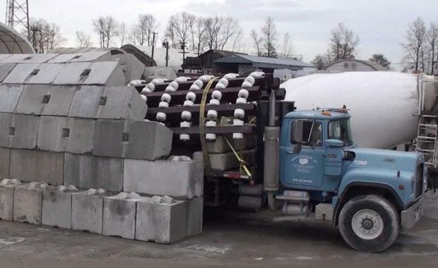 this-zipper-truck-is-radically-changing-the-way-we-build-tunnels