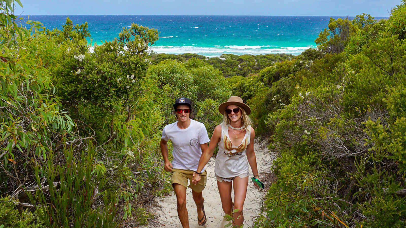 Vivonne Bay Beach Walking 1600X900