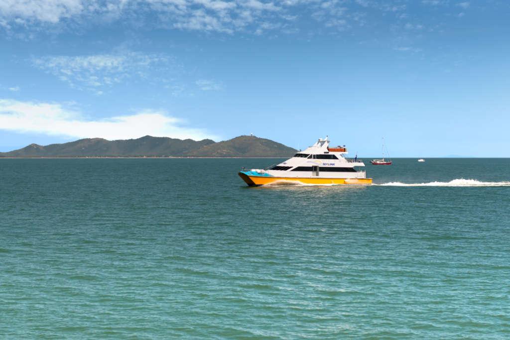 Sealink Qld Sunbird Cruising To Townsville