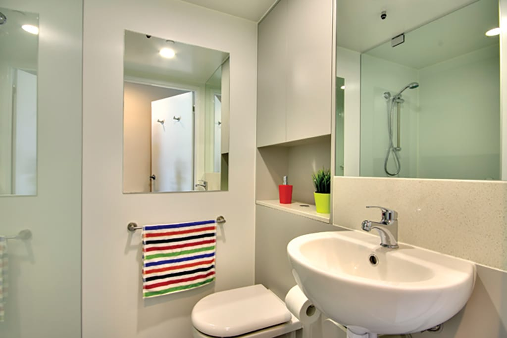 Vs Full Bathroom En Suite Bathroom: Single Ensuite Room In 4 Person Apartment