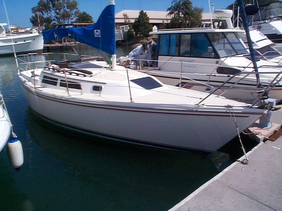Catalina 27 - 1988 - $39,000 - Vicsail - Your experts in yachting