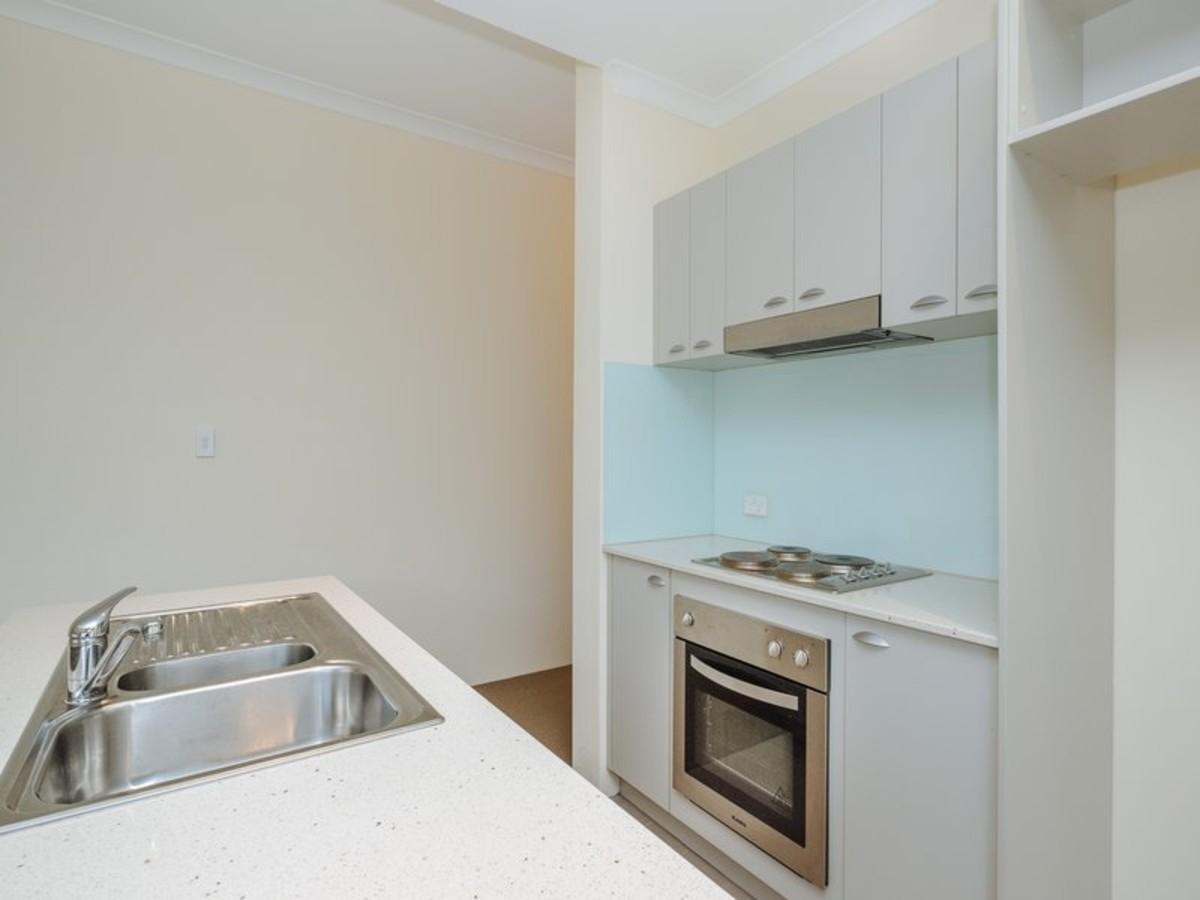 4/2 Pisconeri Street, Perth, WA 6000 Sale & Rental History ...