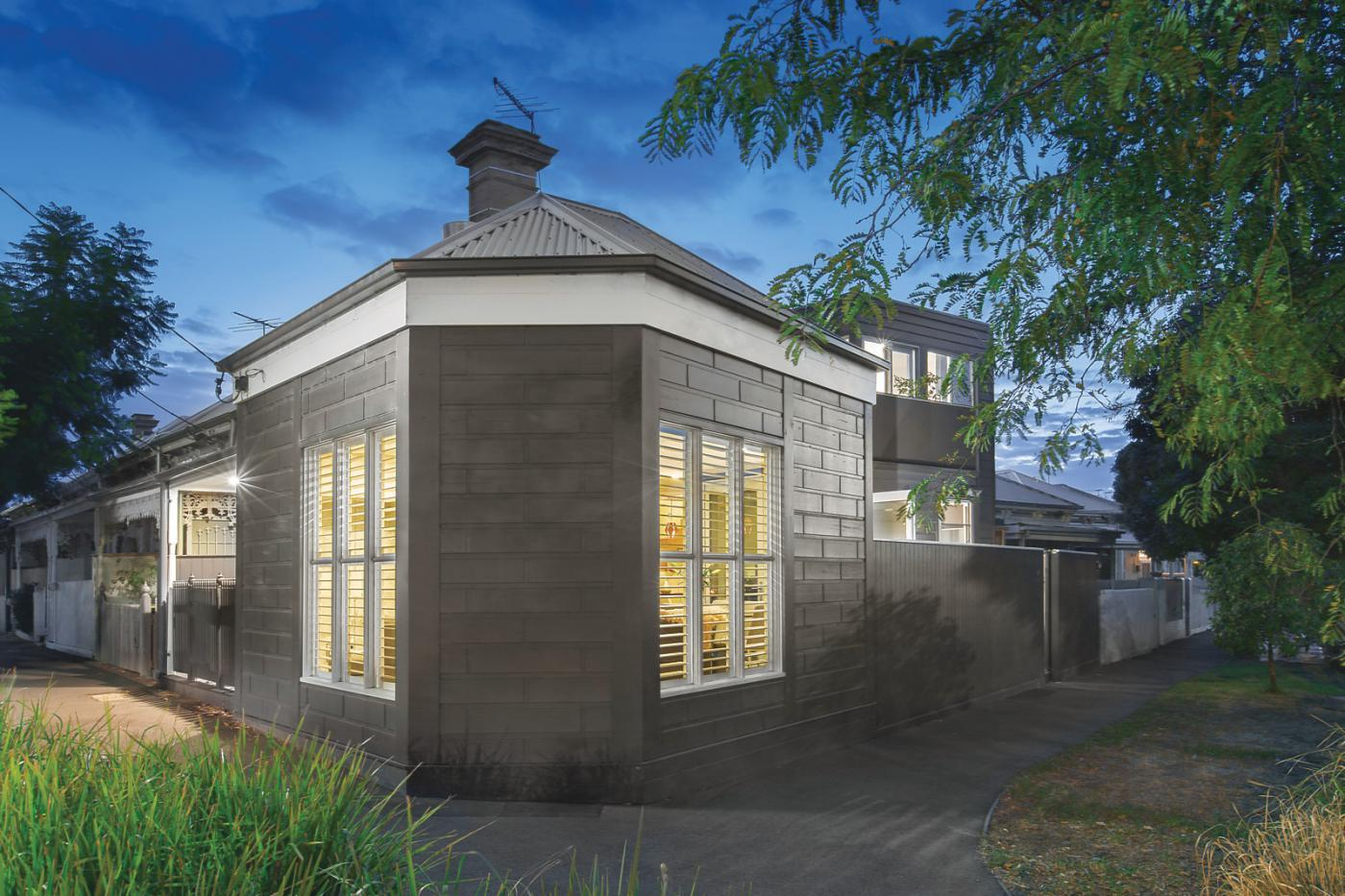 ... Port Melbourne, Vic 3207  $1,400,000 Sold May 6, 2017. Sold May 6,  2017. 281 Esplanade East