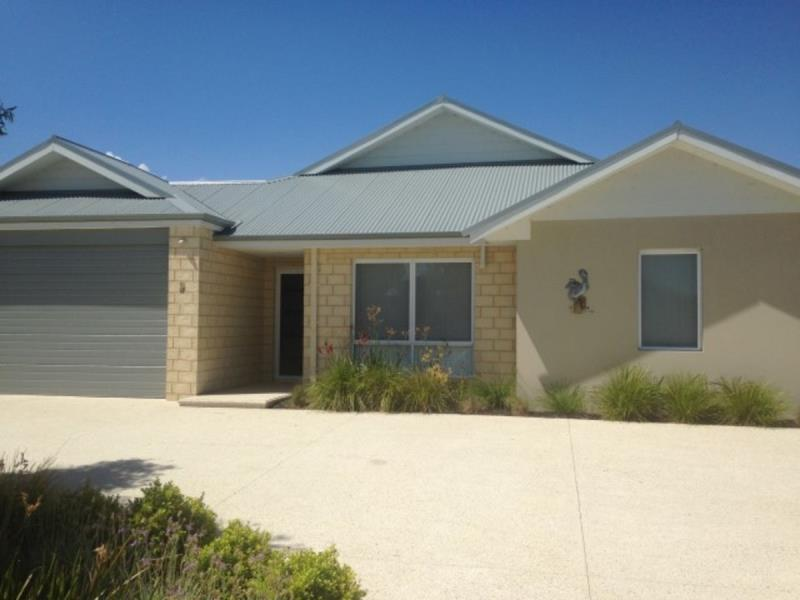 8 vaucluse way coodanup