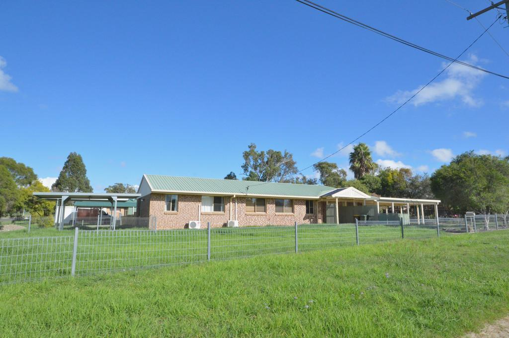 37 Homestead Road, Rosenthal Heights, QLD 4370 Sale & Rental