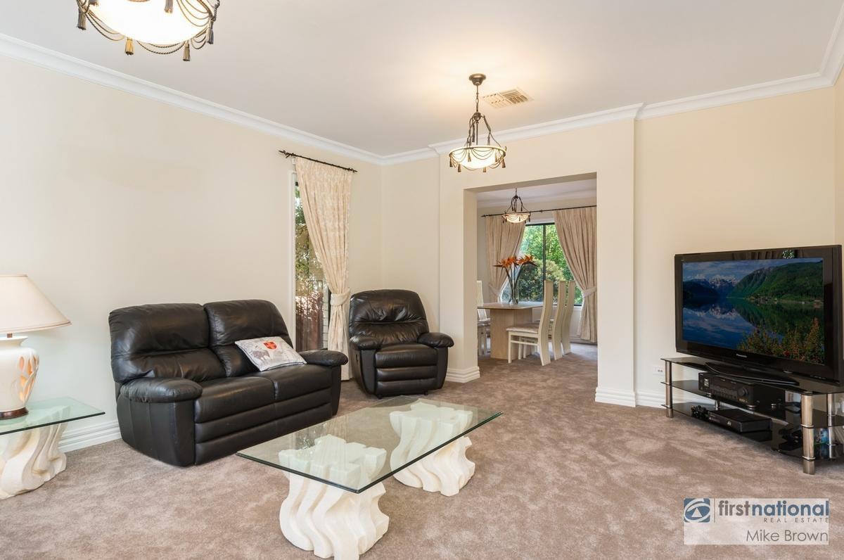 2 Defelice Place, Mooroolbark, VIC 3138 Sale U0026 Rental History   Property 360