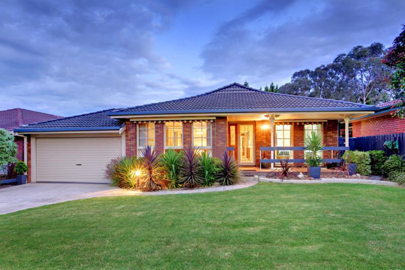 how to get to ponsford ave wantirna from mowbray drive