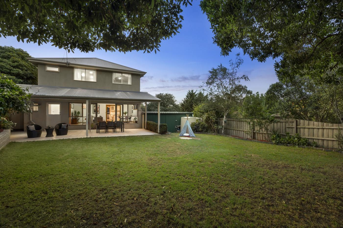 Property data for 173 Graham Road, Viewbank, Vic 3084. Get sold price history for this house  median property prices for Viewbank, Vic 3084