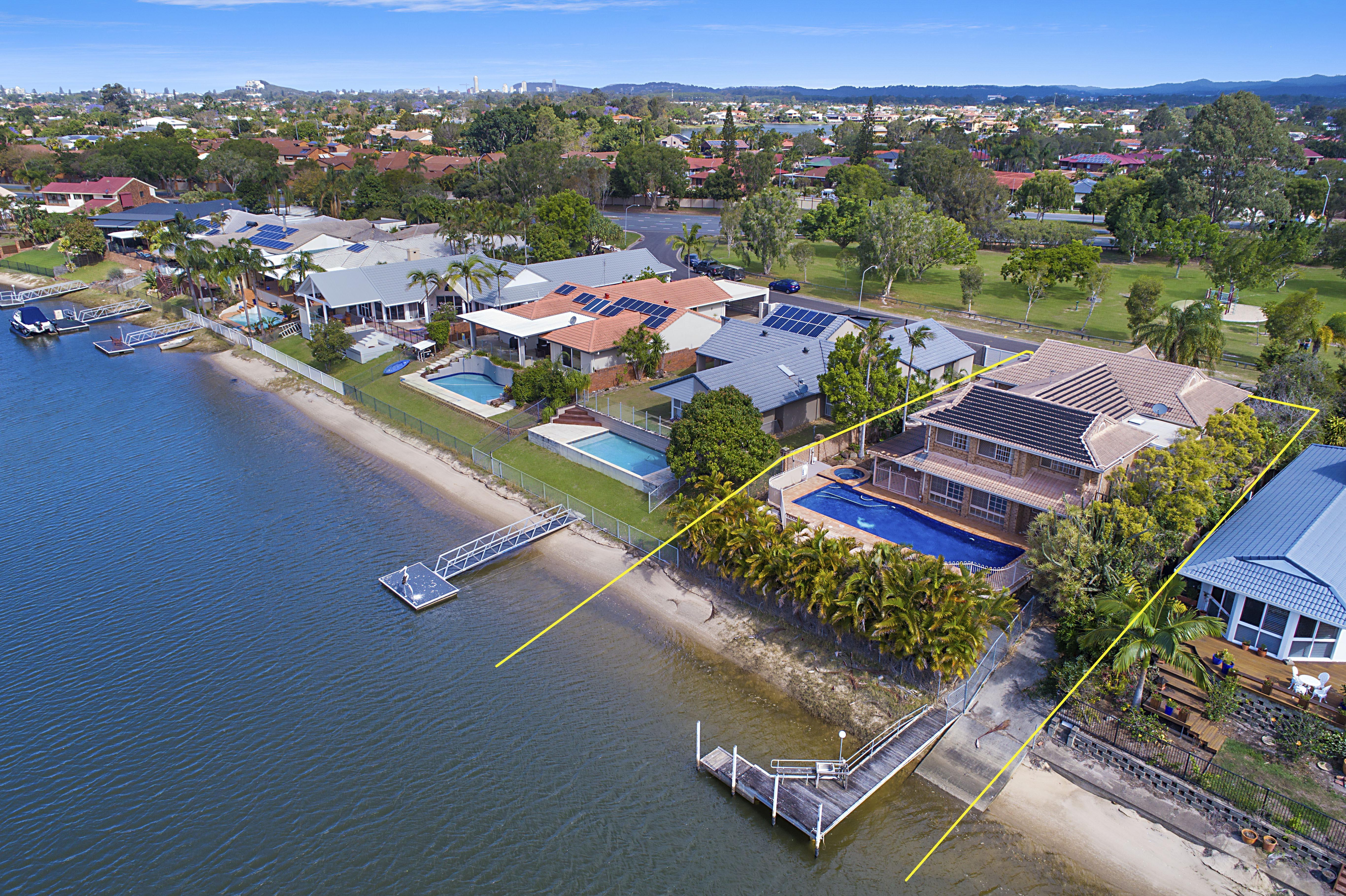 6 salamander court mermaid waters qld 4218 sale rental