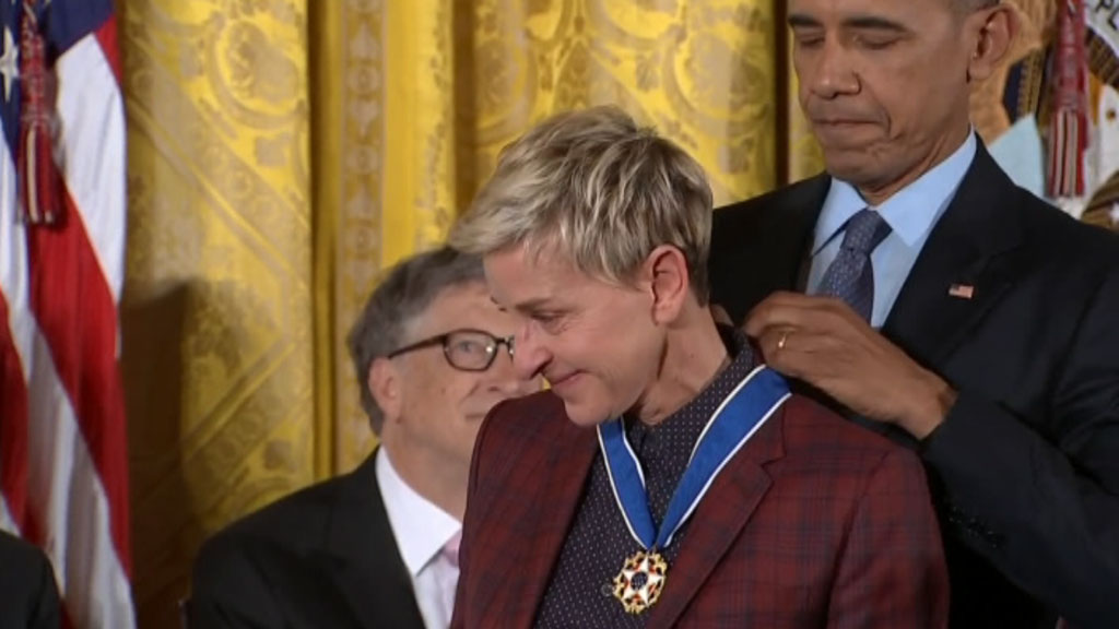 9RAW: Ellen DeGeneres moved to tears by Obama's Presidential Medal of Freedom speech