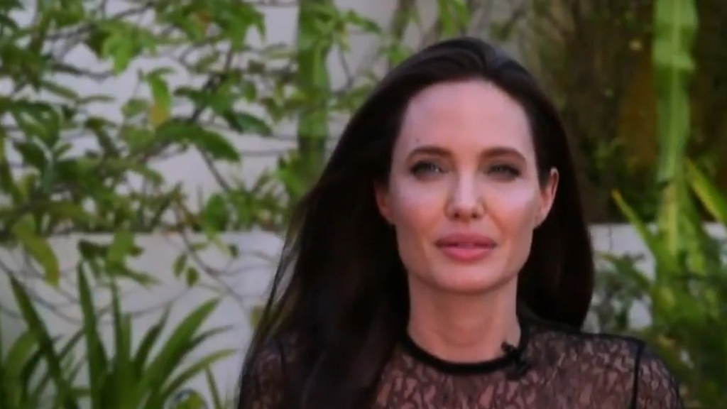 9RAW: Angelina Jolie still believes Brad Pitt is 'wonderful' father