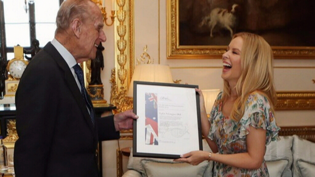 Kylie Minogue recognised by British Royal Family