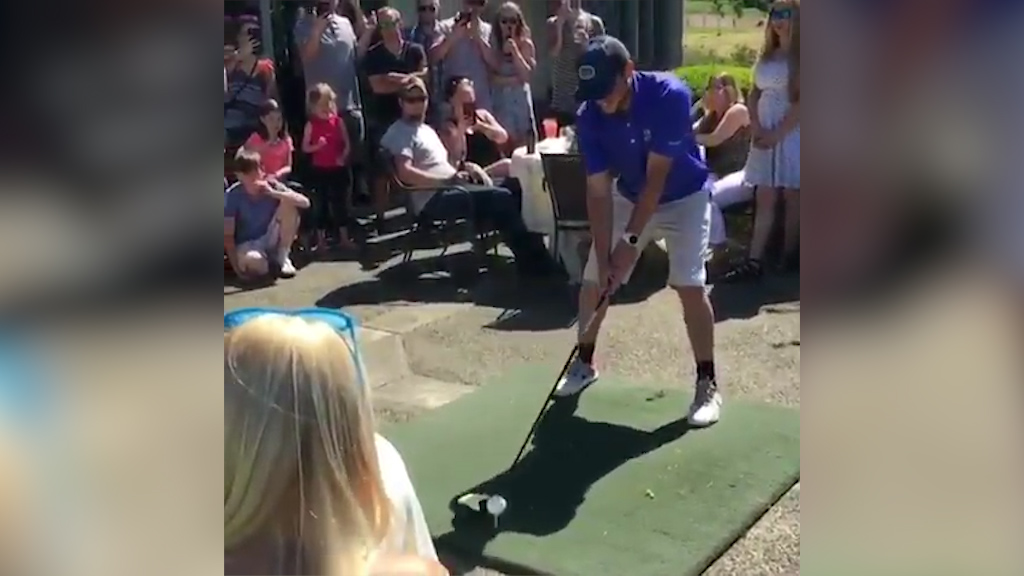 The golf swing that's sent the entire internet into a frenzy