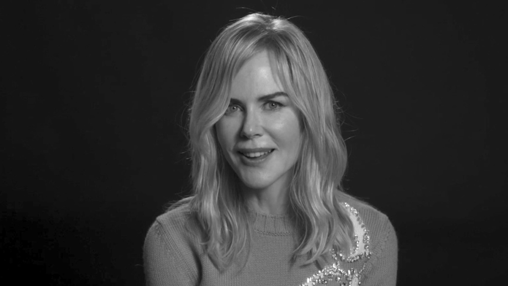 Nicole Kidman sings karaoke with Keith