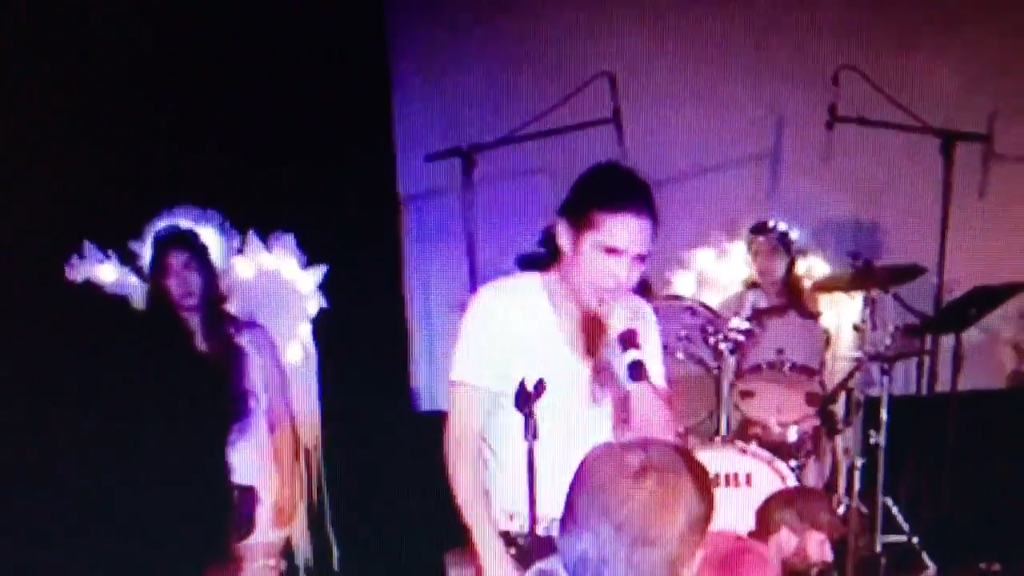 Corey Feldman knocks his tooth out mid-concert