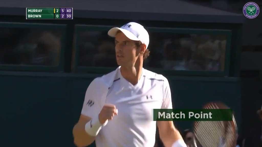 Murray crusies at Wimbledon