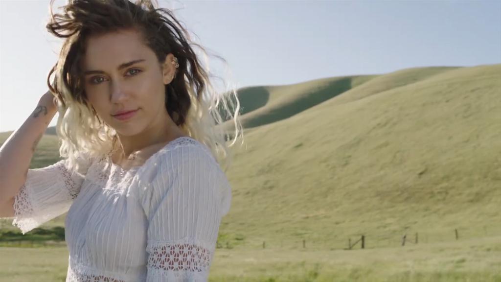 Malibu music video