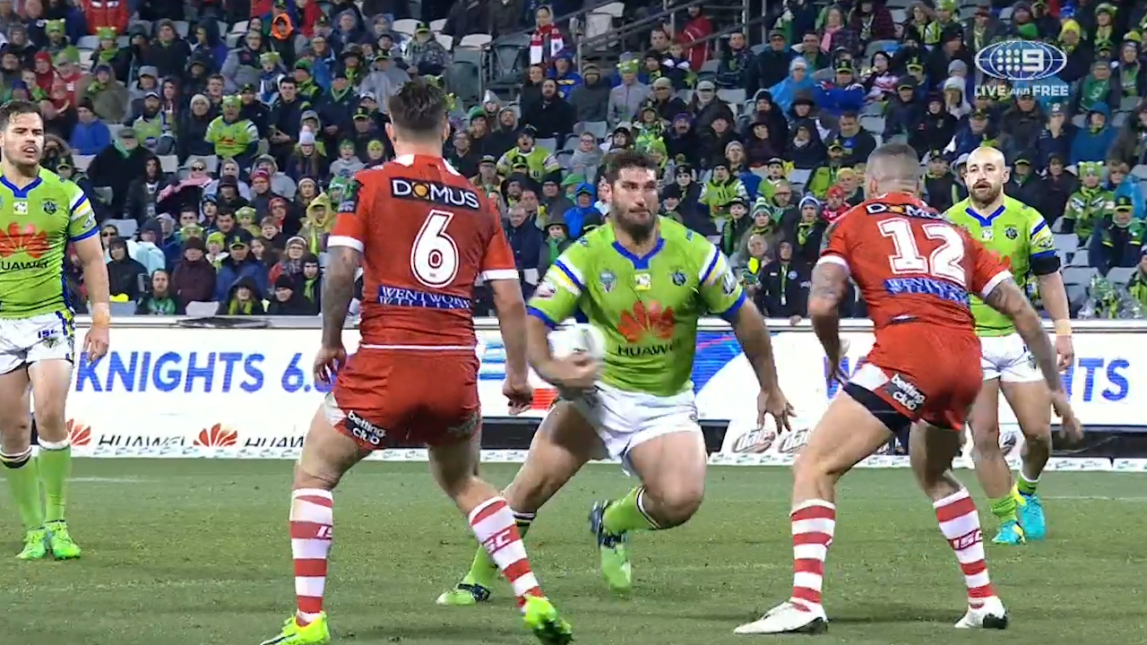 Sezer kick sets up Raiders' victory