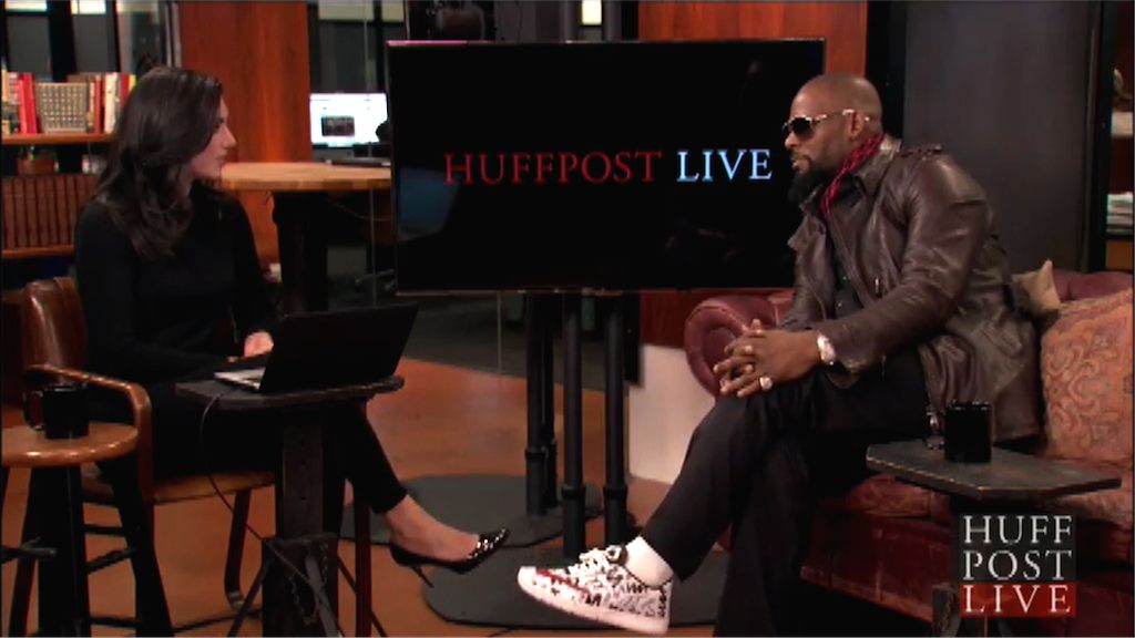 R. Kelly walks out of interview