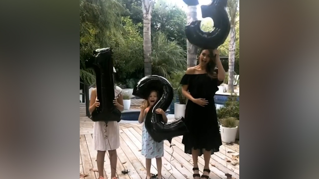 Jessica Alba is pregnant with baby number 3