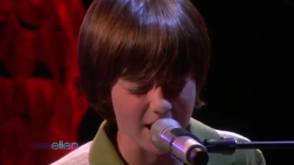 Greyson Chance performs 'Paparazzi' on Ellen