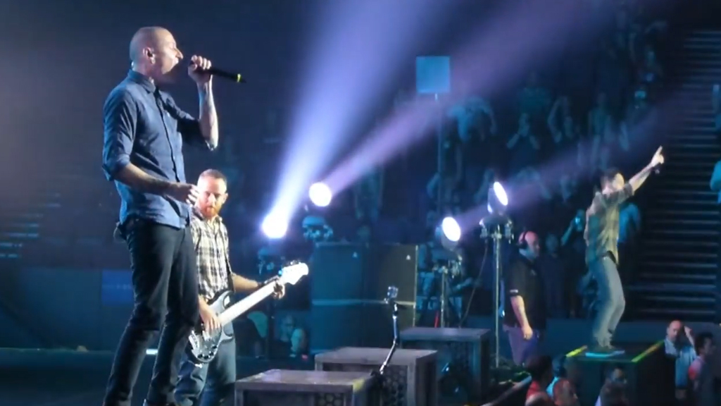 Linkin Park perform 'In the End' in Sydney, 2013