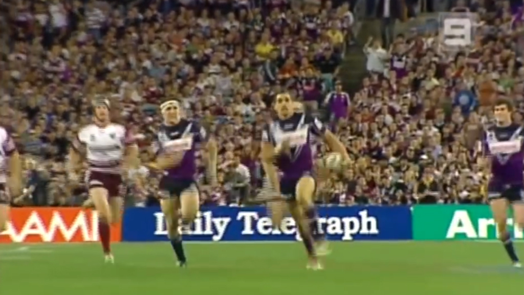 Greg Inglis scores for Melbourne in the 2007 NRL Grand Final