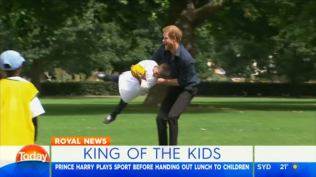 Prince Harry plays sport with London kids