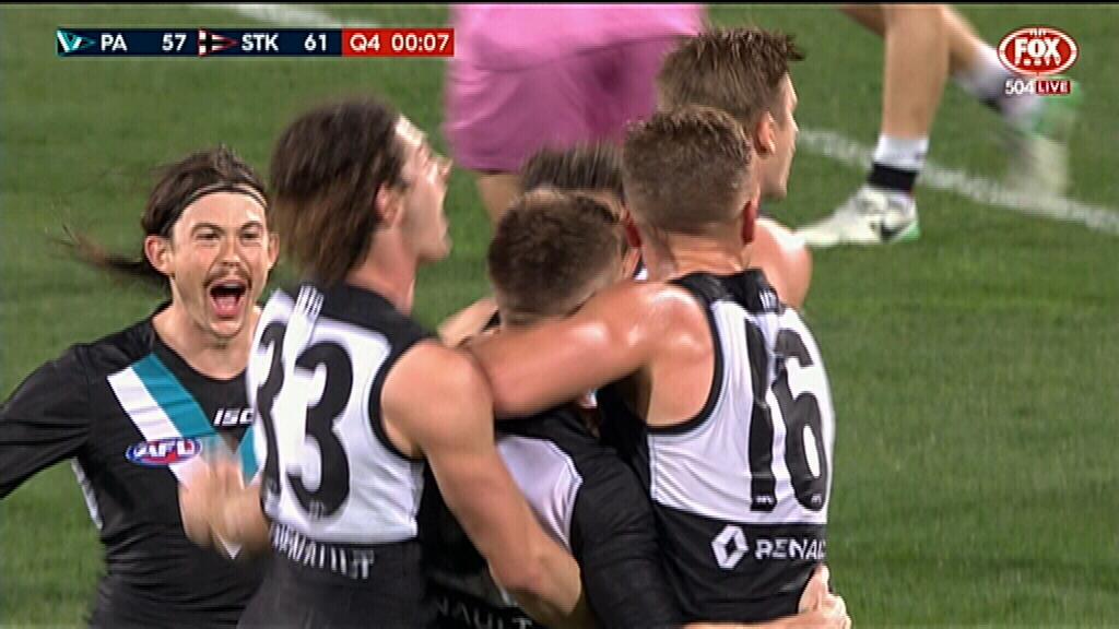 Port score last-gasp win