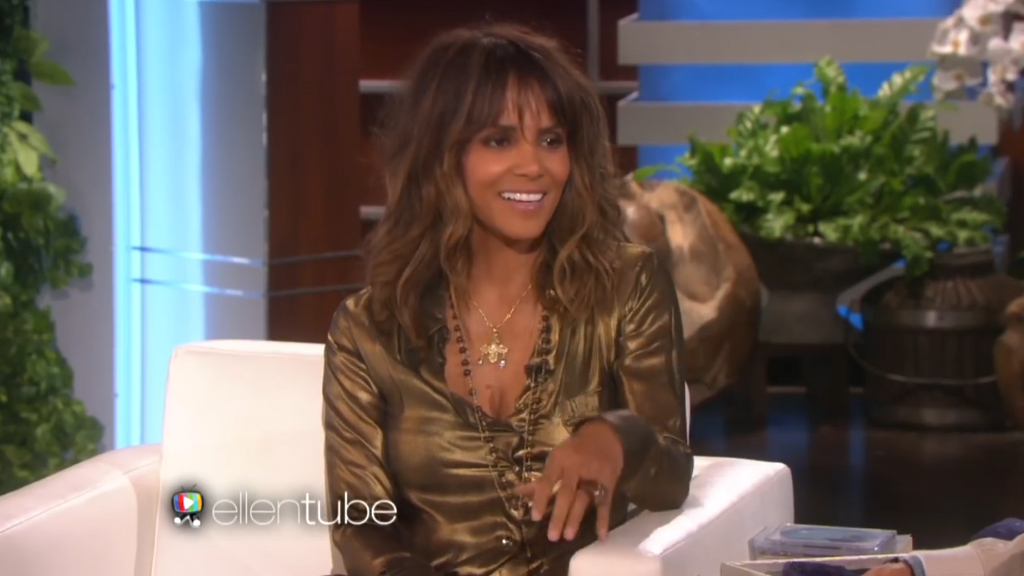 Halle Berry talks to Ellen about petting a shark