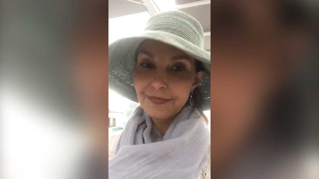 Ashley Judd calls out 'everyday sexism' on Facebook Live