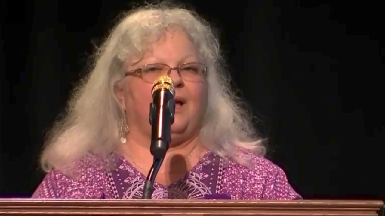 Heather Heyer's mother has addresses memorial service