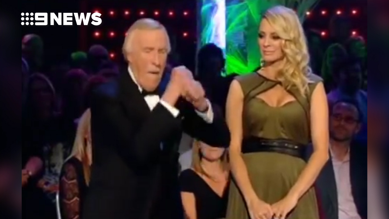 Bruce Forsyth gets down to 'Gangnam Style'