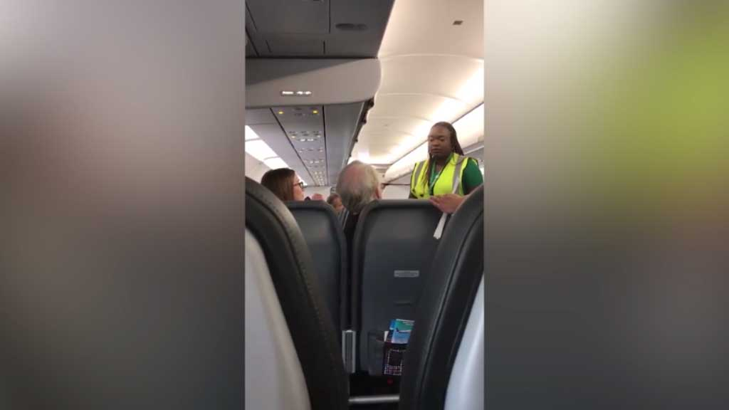 Father and daughter kicked off flight after argument with crew
