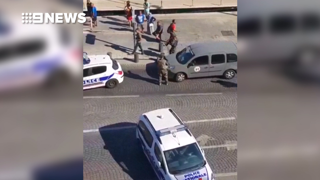 Vehicle crashes into bus stops in Marseille