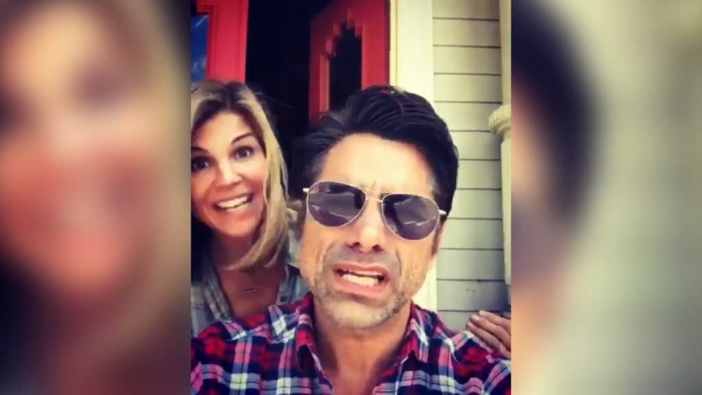 John Stamos and Lori Loughlin sing Frozen's 'Love Is An Open Door'