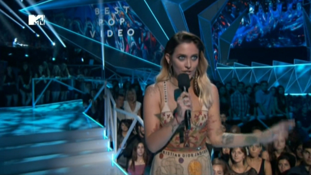 Paris Jackson gives impassioned VMAs speech