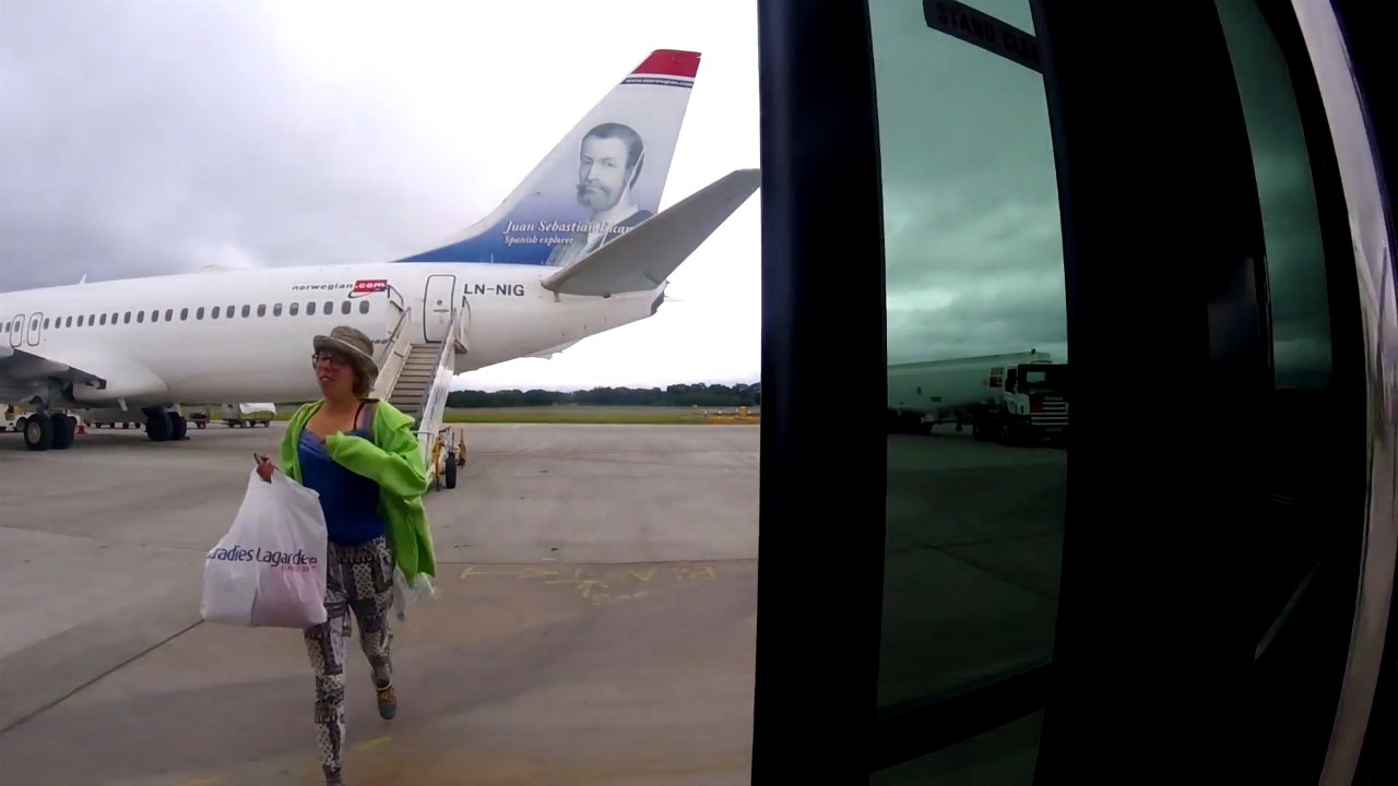 Passenger becomes a bizarre security threat on tarmac