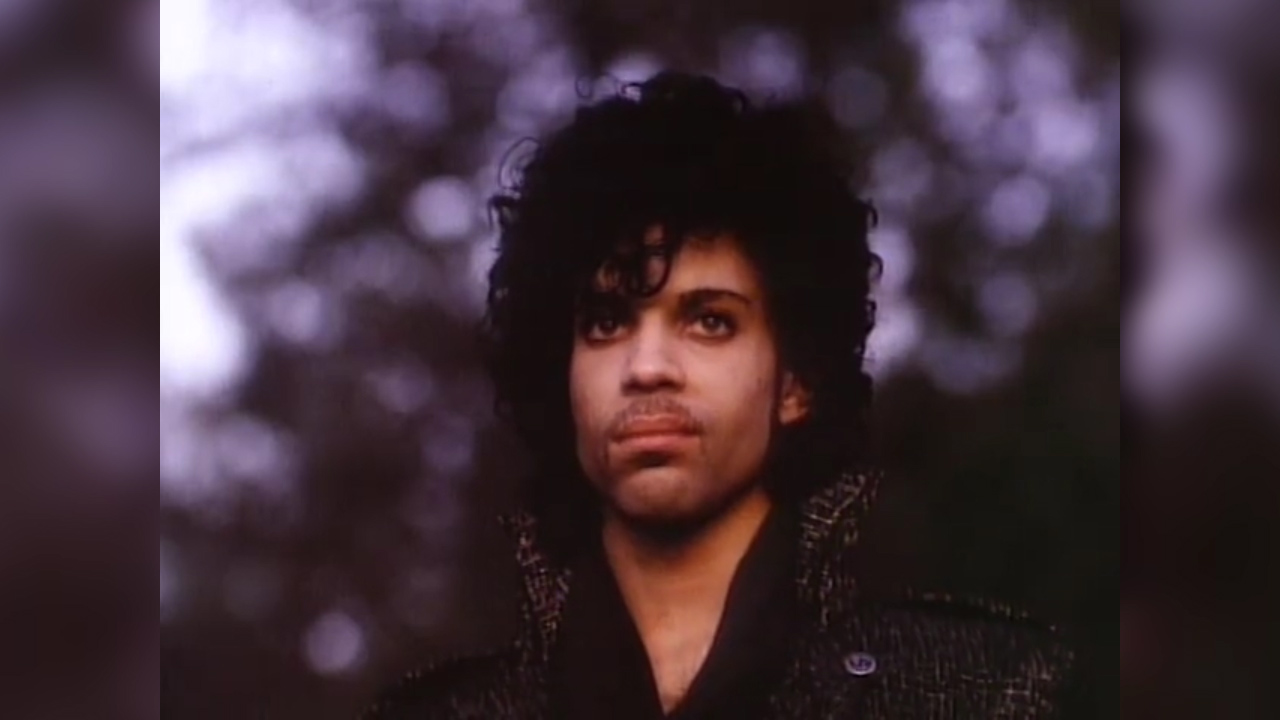Prince sings When Doves Cry
