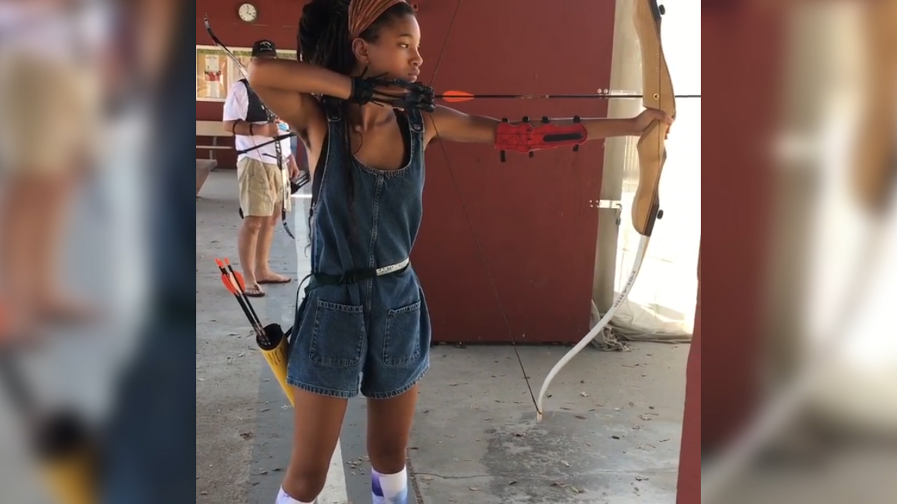 Willow Smith shows off her archery skills