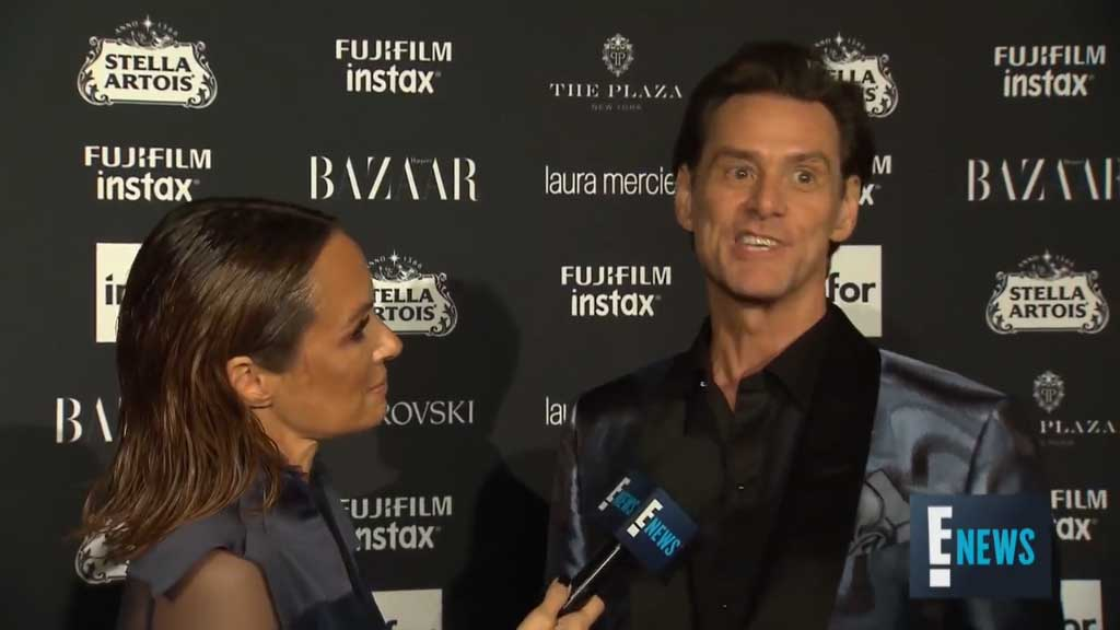 Jim Carrey gives bizarre red carpet interview
