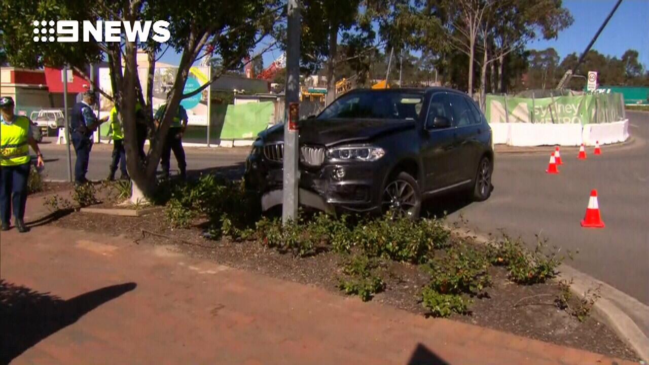 Woman suffers broken leg in car accident in Sydney's northwest